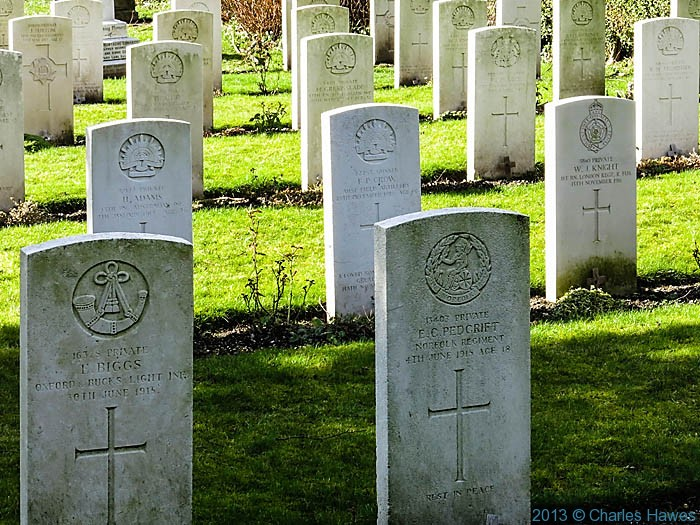 World War 1 Gravestones in St Lawrence churchyard, photographed by Charles Hawes