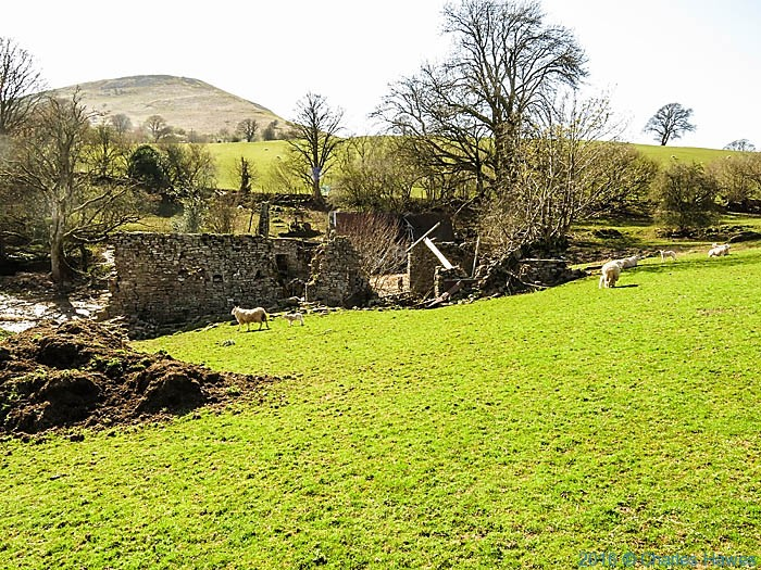 ruin near Plas y Gaer, Brecon Beacons, photographed by Charles Hawes