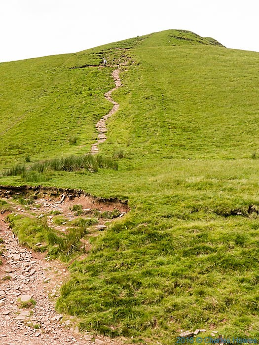 Path from Bwlch Tar y Fan to Cribyn, photographed by Charles Hawes