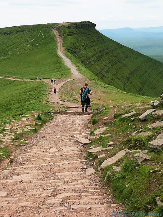 Path from Pen Y Fan to Corn Du, Brecon Beacons, photographed by Charles Hawes
