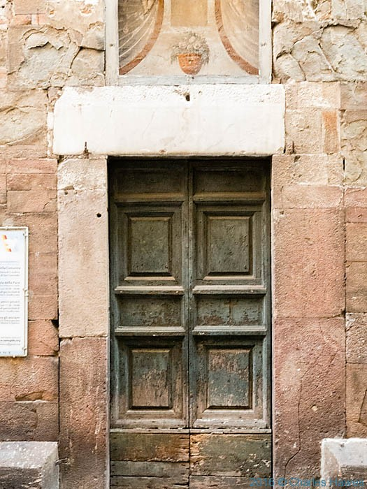 Doorway in Lucca, photographed by Charles Hawes