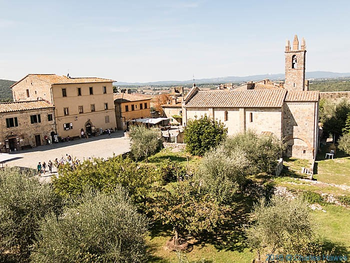 Monteriggioni, Tuscany, photographed on IWW trip by Charles Hawes